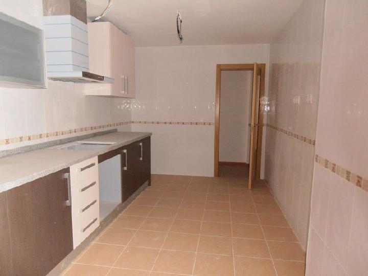 Piso en venta en Castalla, Alicante, Calle Federico García Lorca, 73.000 €, 3 habitaciones, 2 baños, 116 m2