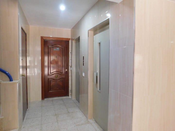 Piso en venta en Huelva, Huelva, Plaza de la Serrana, 91.000 €, 3 habitaciones, 1 baño, 88 m2