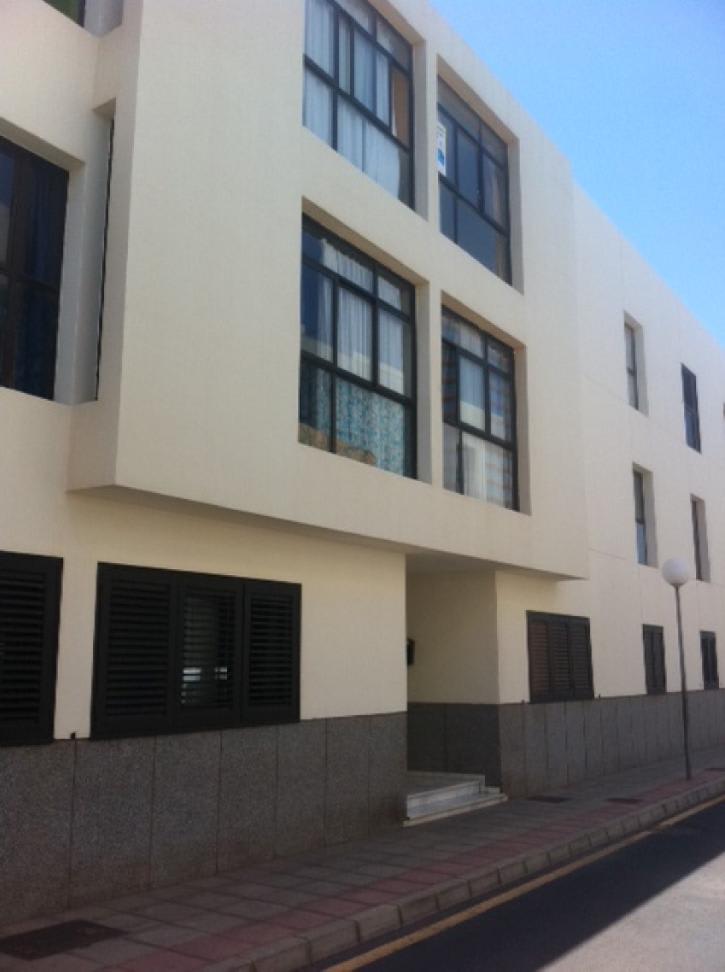 Piso en venta en Puerto de Naos, Arrecife, Las Palmas, Calle Jose Alonso, 93.750 €, 2 habitaciones, 2 baños, 80 m2