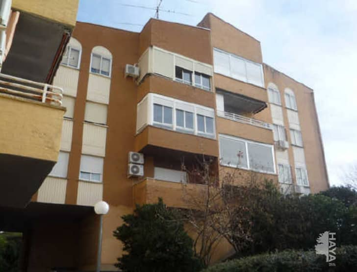 Piso en venta en El Pilar, Plasencia, Cáceres, Calle Rodrigo Aleman, 77.500 €, 3 habitaciones, 1 baño, 122 m2