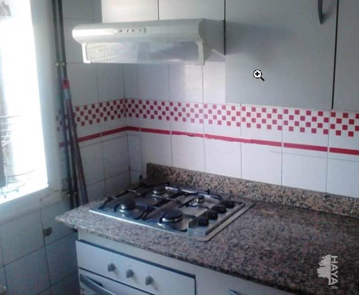 Piso en venta en L` Hospitalet de Llobregat, Barcelona, Plaza Blocs de la Florida, 58.900 €, 2 habitaciones, 1 baño, 36 m2