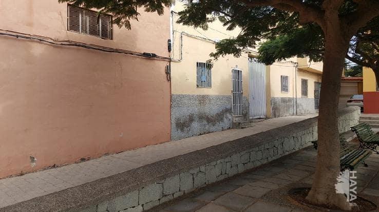 Casa en venta en Santa Cruz de Tenerife, Santa Cruz de Tenerife, Pasaje Adassa, 79.000 €, 1 habitación, 1 baño, 121 m2