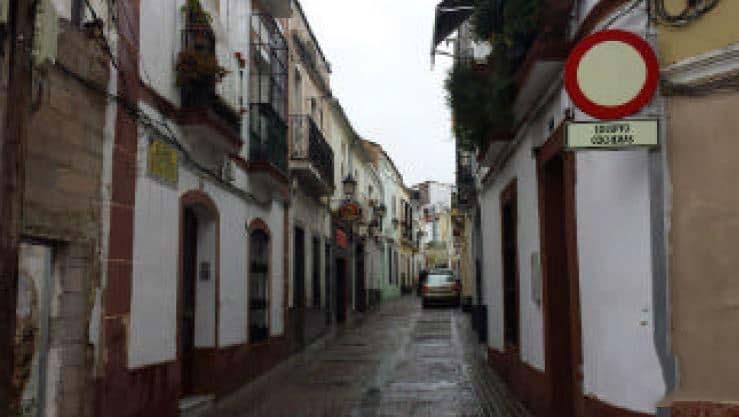 Piso en venta en Badajoz, Badajoz, Calle Cespedes, 36.773 €, 2 habitaciones, 2 baños, 74 m2