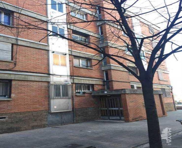 Piso en venta en Terrassa, Barcelona, Calle Igualada, 63.800 €, 3 habitaciones, 2 baños, 84 m2