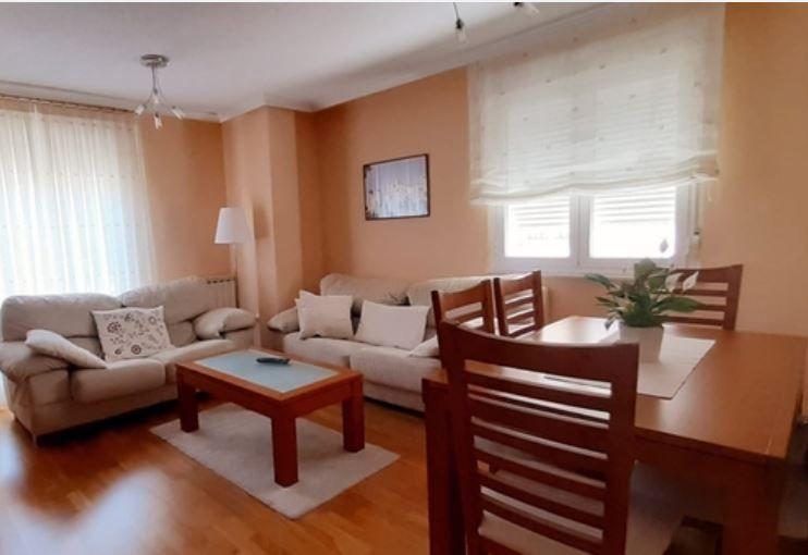 Piso en venta en Albahonda Iii, Carbajosa de la Sagrada, Salamanca, Calle la Fuente, 132.000 €, 3 habitaciones, 2 baños