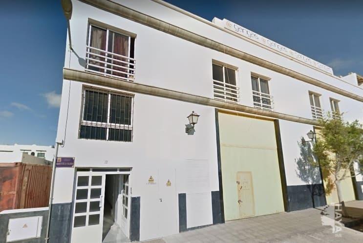 Piso en venta en Arrecife, Las Palmas, Calle Hernan Cortes, 57.500 €, 2 habitaciones, 1 baño, 70 m2