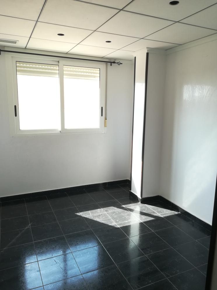 Piso en venta en Crevillent, Alicante, Calle Juan de Juanes, 87.000 €, 3 habitaciones, 2 baños, 103 m2