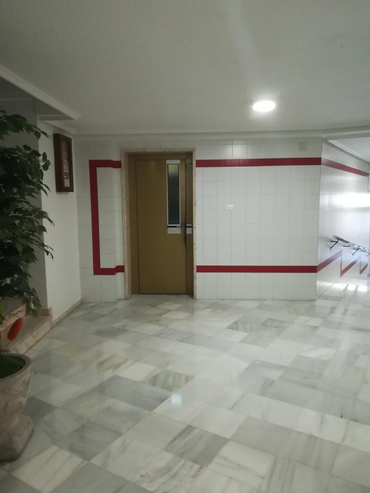 Piso en venta en Piso en Crevillent, Alicante, 82.000 €, 3 habitaciones, 1 baño, 91 m2
