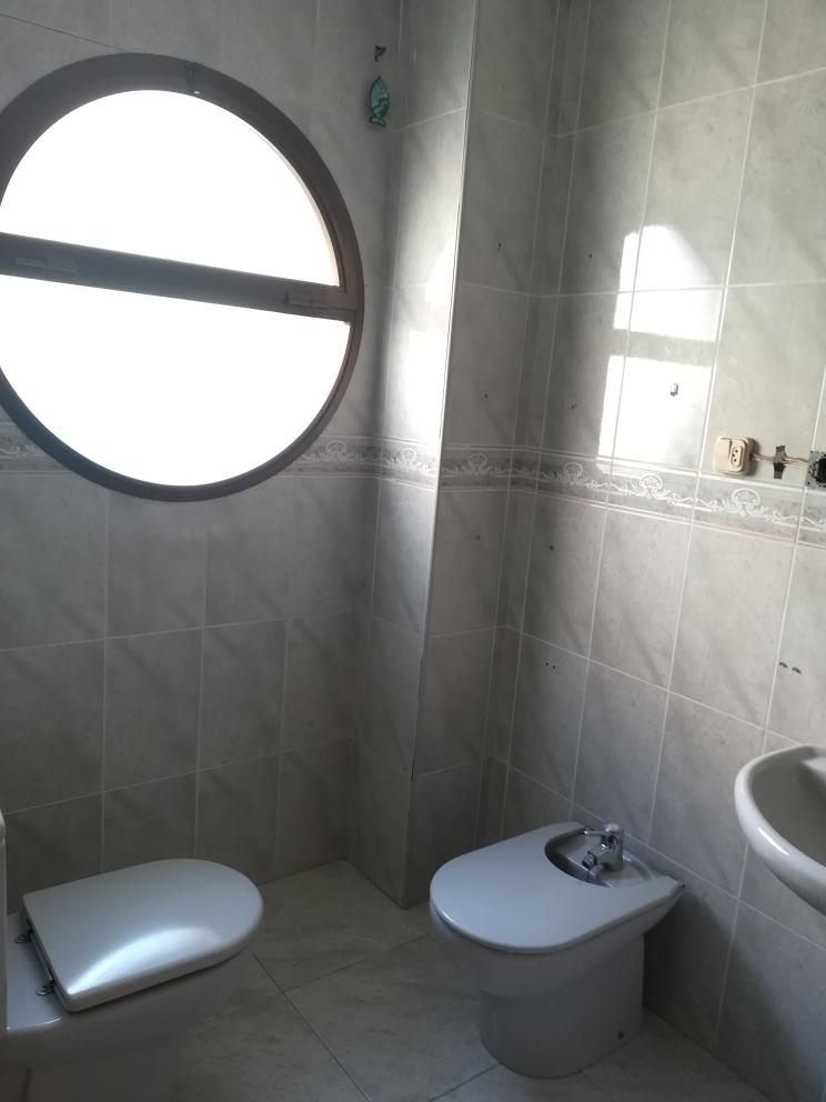 Piso en venta en Piso en Crevillent, Alicante, 85.000 €, 4 habitaciones, 2 baños, 120 m2