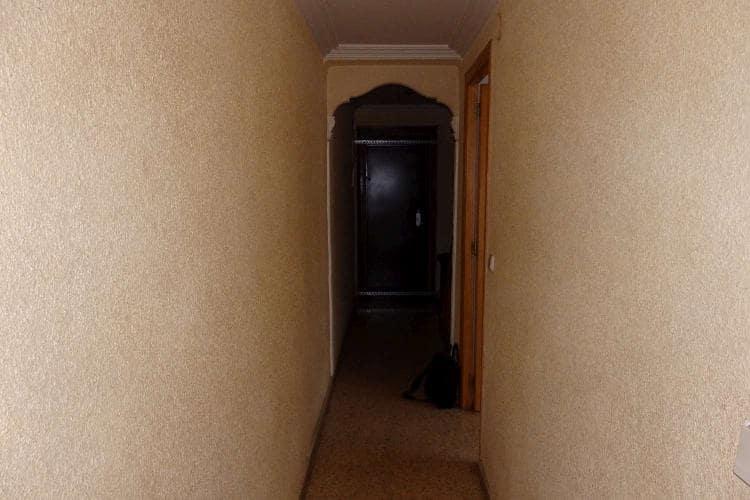 Piso en venta en Sagunto/sagunt, Valencia, Calle la Pau, 27.905 €, 3 habitaciones, 1 baño, 98 m2