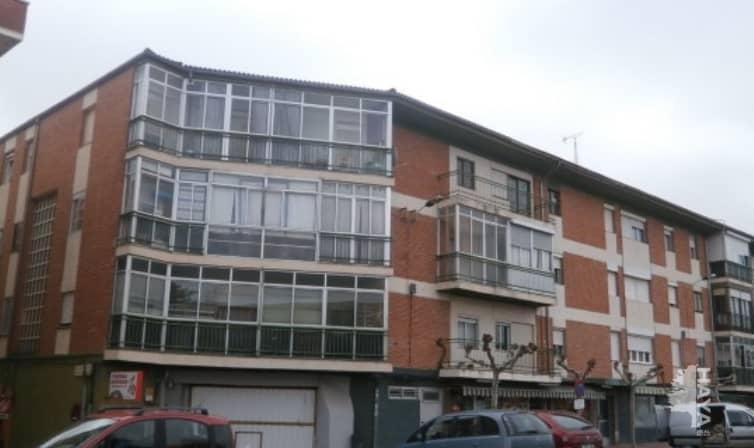 Piso en venta en Valladolid, Valladolid, Travesía Fuentes, 77.414 €, 2 habitaciones, 1 baño, 96 m2