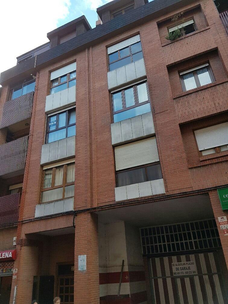 Piso en venta en Lena, Asturias, Calle Arzobispo Blanco, 118.700 €, 3 habitaciones, 2 baños, 106 m2
