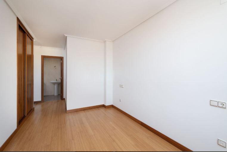 Piso en venta en Oviedo, Asturias, Calle Juan A. Alvarez Rabanal, 151.000 €, 3 habitaciones, 2 baños, 85,14 m2