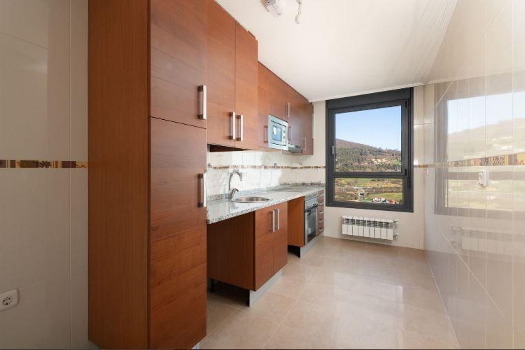 Piso en venta en Oviedo, Asturias, Calle Juan A. Alvarez Rabanal, 166.000 €, 3 habitaciones, 2 baños, 92,99 m2