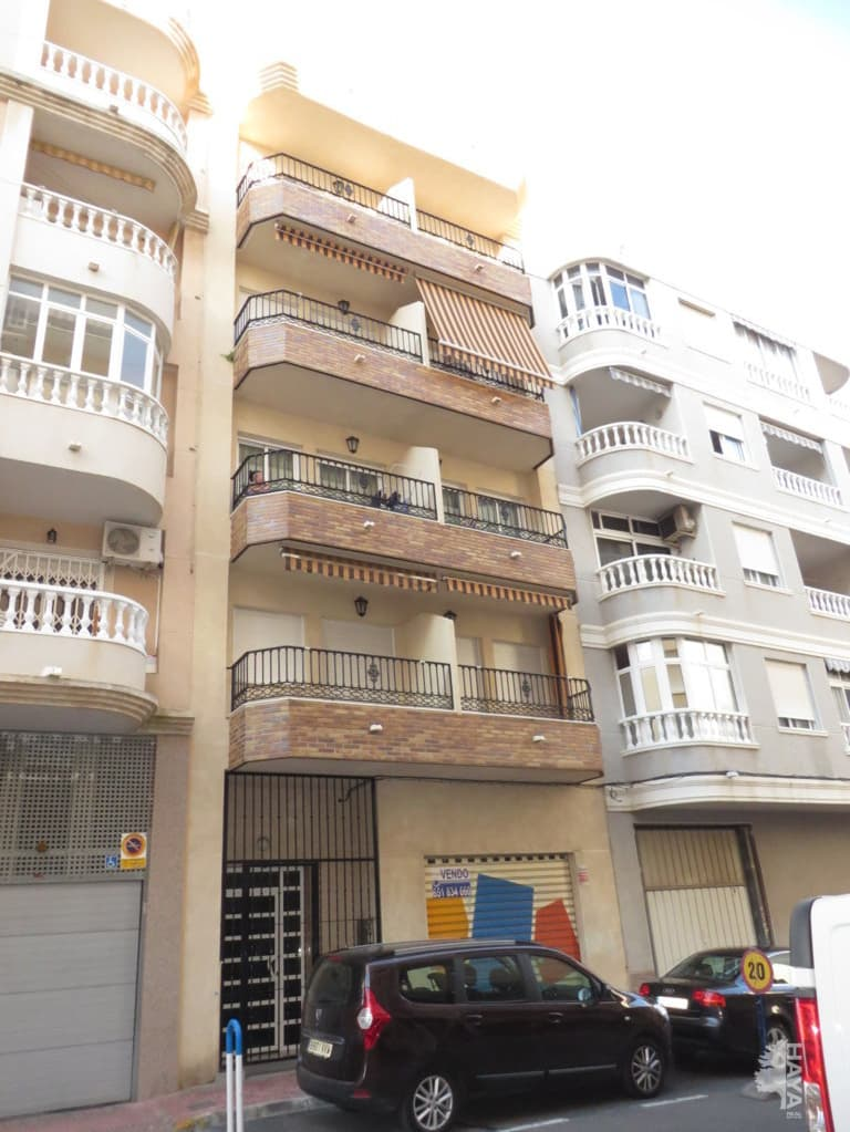 Piso en venta en Torrevieja, Alicante, Calle Fragata, 66.649 €, 2 habitaciones, 1 baño, 61 m2