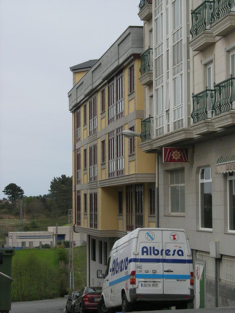 Piso en venta en A Laracha, A Coruña, Calle Rúa Manuel Antonio Barreiro Barbeito, 93.000 €, 3 habitaciones, 2 baños, 113 m2