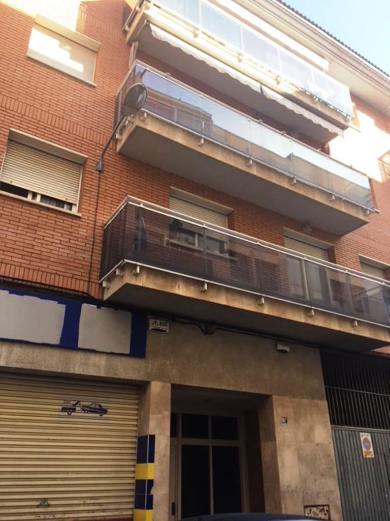 Piso en venta en El Carme, Reus, Tarragona, Calle Banys, 197.800 €, 4 habitaciones, 2 baños, 90 m2