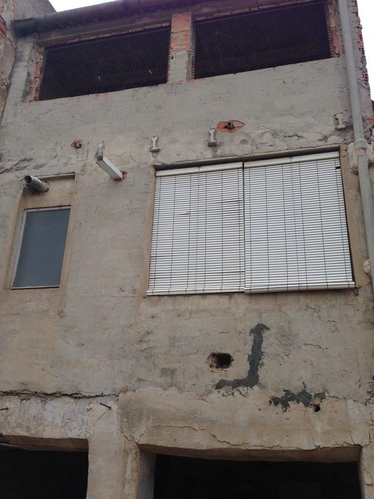 Casa en venta en Casa en Bullas, Murcia, 33.024 €, 4 habitaciones, 2 baños, 186 m2