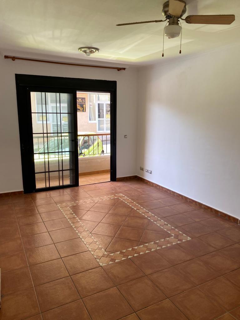 Piso en venta en Adeje, Santa Cruz de Tenerife, Calle Manuel Bell Ramos, 139.000 €, 2 habitaciones, 1 baño, 63 m2