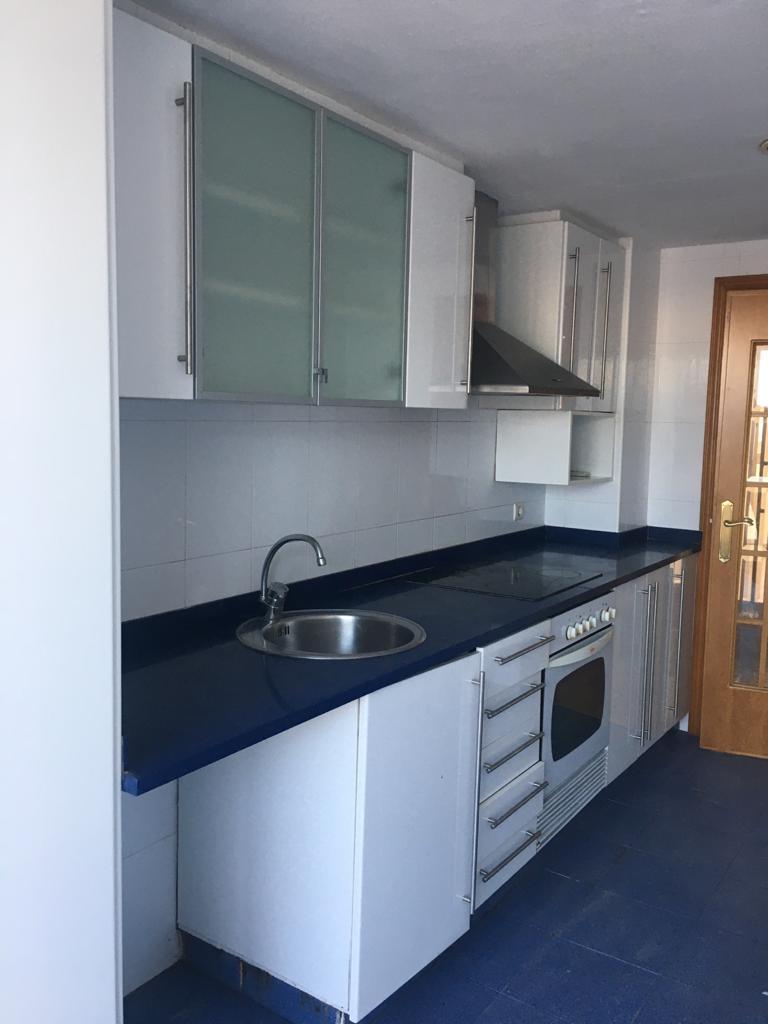 Piso en venta en Almazora/almassora, Castellón, Avenida Jose Ortiz, 76.000 €, 3 habitaciones, 2 baños, 106 m2