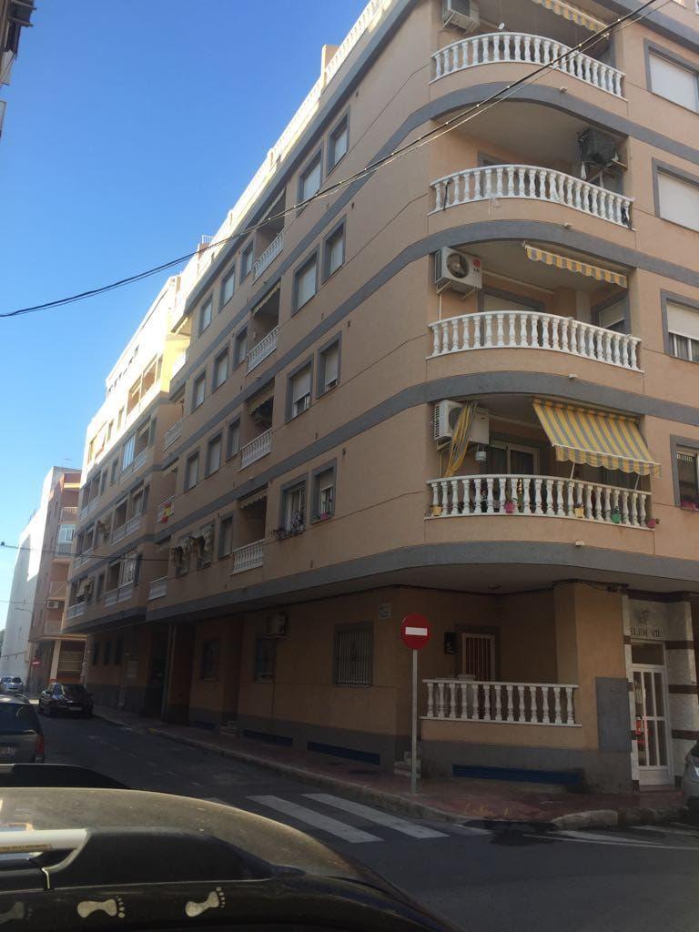 Piso en venta en Torrevieja, Alicante, Calle Monte Agudo, 92.000 €, 3 habitaciones, 1 baño, 85 m2