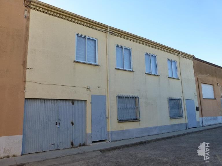 Casa en venta en Lumbrales, Salamanca, Calle Isaac Peral, 45.300 €, 4 habitaciones, 1 baño, 132 m2