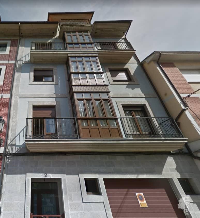 Piso en venta en Nava, Asturias, Calle Luis Armiñan, 130.646 €, 3 habitaciones, 1 baño, 138 m2
