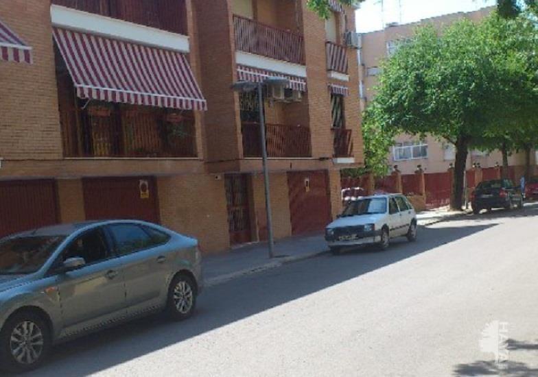 Piso en venta en Andújar, Jaén, Avenida Santo Reino, 60.900 €, 3 habitaciones, 1 baño, 112 m2