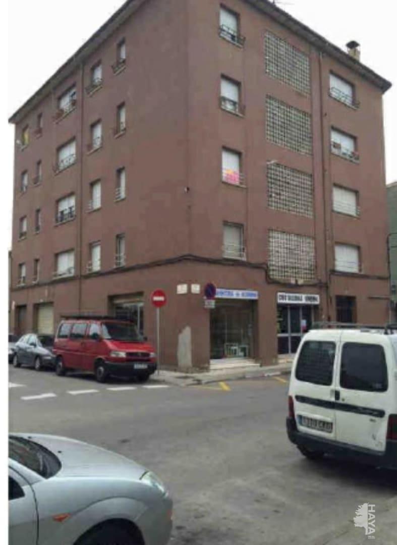 Piso en venta en La Moreta, Manlleu, Barcelona, Calle Puigpardines, 57.600 €, 4 habitaciones, 2 baños, 100 m2