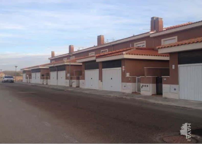 Casa en venta en Torralba de Calatrava, Ciudad Real, Calle Salvador Dalí, 47.000 €, 3 habitaciones, 1 baño, 124 m2