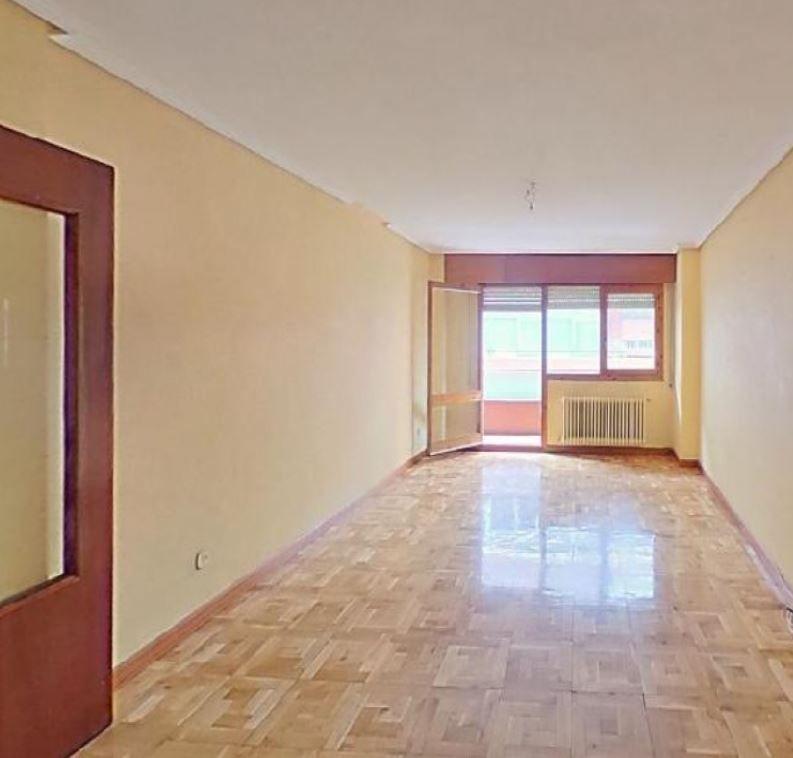 Piso en venta en San Pablo Y Santa Marina, Palencia, Palencia, Calle Antonio Maura, 187.500 €, 4 habitaciones, 2 baños, 172 m2