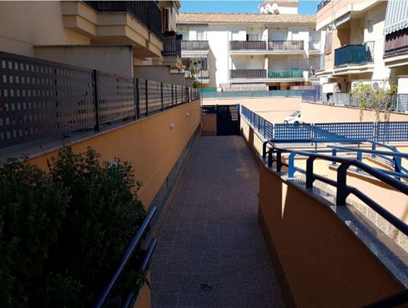 Piso en venta en Las Gabias, Granada, Calle Fray Junipero Serra, 78.900 €, 3 habitaciones, 2 baños, 83 m2