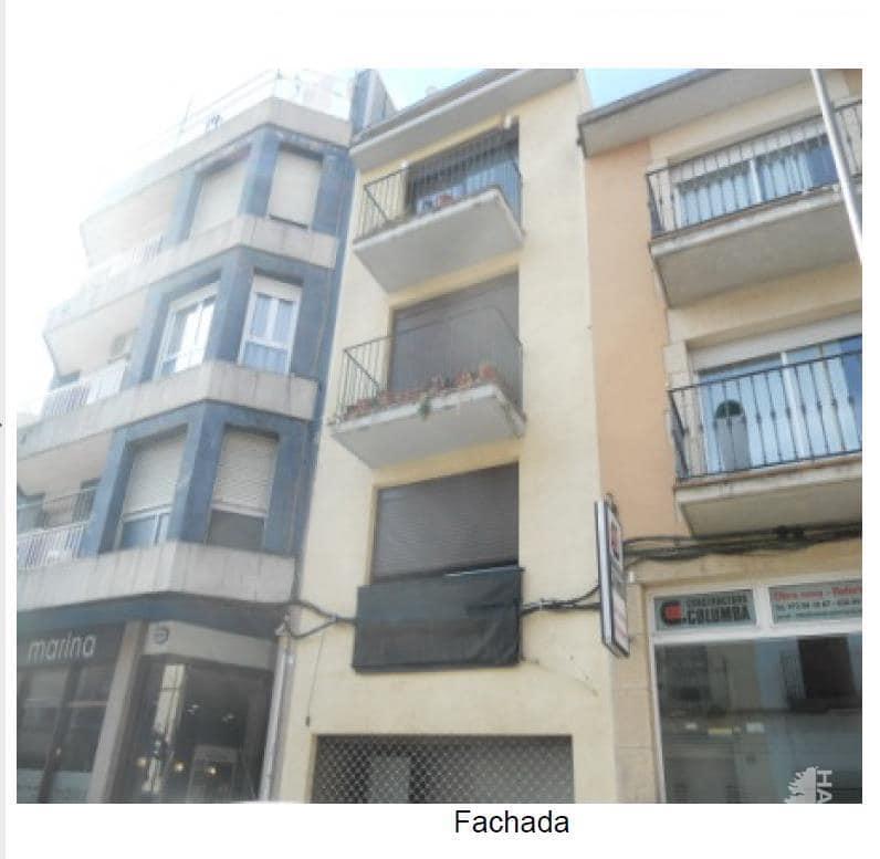 Piso en venta en Can Fàbregues, Santa Coloma de Farners, Girona, Calle Francesc Camprodon, 70.400 €, 3 habitaciones, 1 baño, 88 m2