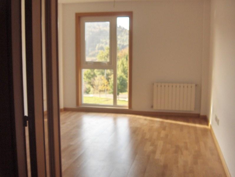 Piso en venta en Mugardos, A Coruña, Urbanización Alameda Do Baño, 78.000 €, 2 habitaciones, 2 baños, 98 m2
