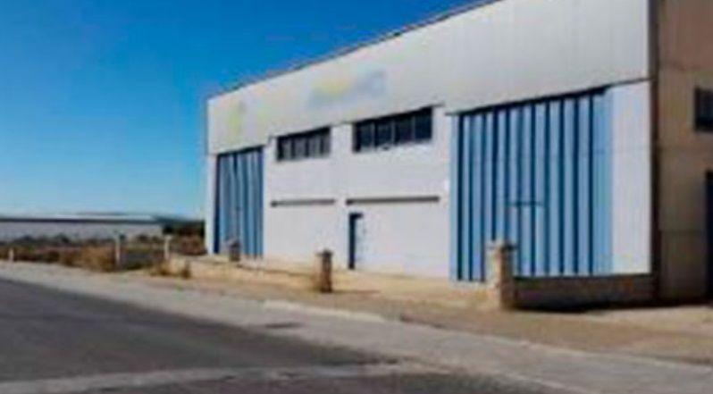 Industrial en venta en Las Vegas, Lucena, Córdoba, Avenida de Extremadura P. I. Pilar la Dehesa, 400.000 €