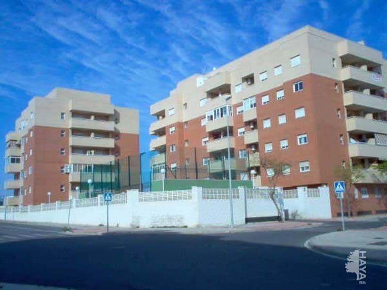 Piso en venta en Almería, Almería, Calle Beltraneja, 85.500 €, 2 habitaciones, 1 baño, 93 m2