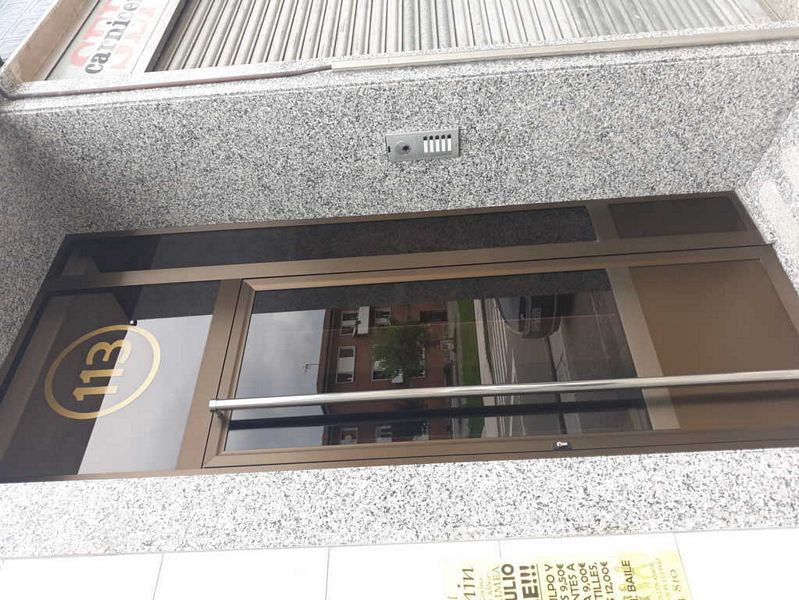 Piso en venta en San Martín del Rey Aurelio, Asturias, Avenida de la Constitucion, 51.900 €, 3 habitaciones, 1 baño, 53 m2