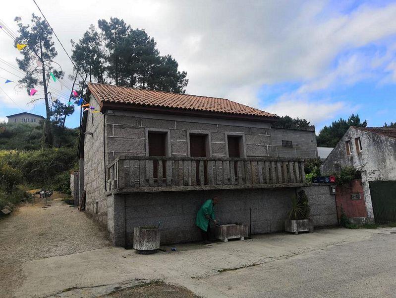 Piso en venta en Vilagarcía de Arousa, Pontevedra, Calle Santa Mariña, Cornazo, 93.000 €, 3 habitaciones, 2 baños, 84 m2