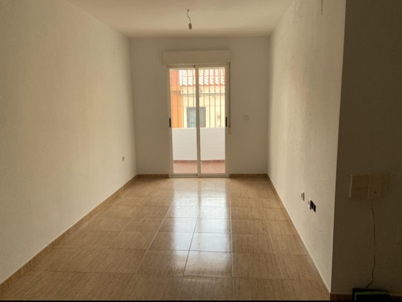 Piso en venta en Motril, Granada, Calle Pocotrigo, 105.000 €, 3 habitaciones, 1 baño, 92 m2