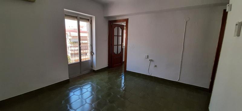 Piso en venta en Jaén, Jaén, Calle Antonio Vallés Perdrix, 41.000 €, 2 habitaciones, 1 baño, 55 m2