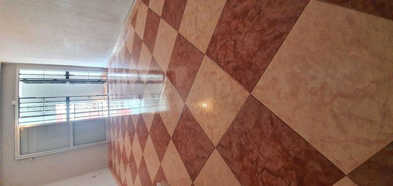 Piso en venta en Sevilla, Sevilla, Calle Jose Muñoz Sanroman, 38.000 €, 3 habitaciones, 1 baño, 72 m2
