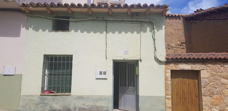 Casa en venta en Torrelobatón, Valladolid, Calle Animas, 39.000 €, 5 habitaciones, 1 baño, 91 m2