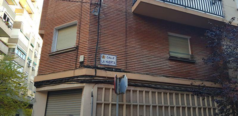Piso en venta en La Paz, Zaragoza, Zaragoza, Calle Huerta, 56.000 €, 3 habitaciones, 1 baño, 65 m2