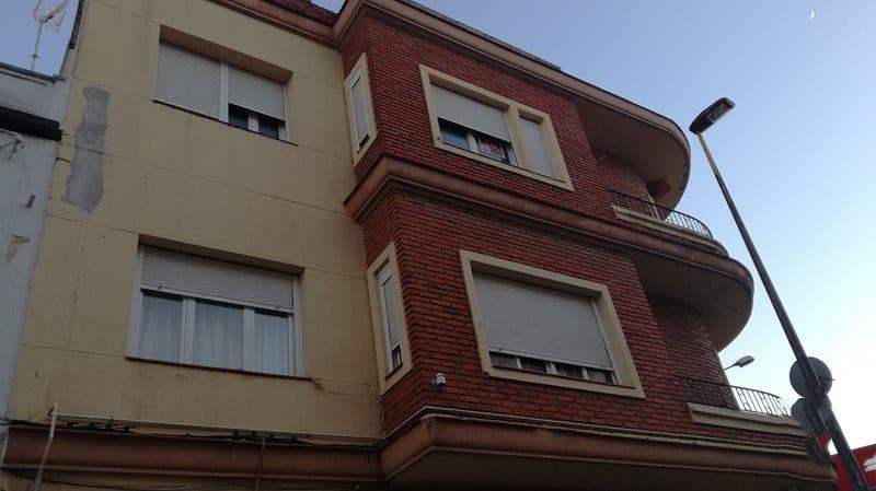 Piso en venta en Villarrobledo, Albacete, Avenida Reyes Catolicos, 55.100 €, 3 habitaciones, 1 baño, 119 m2