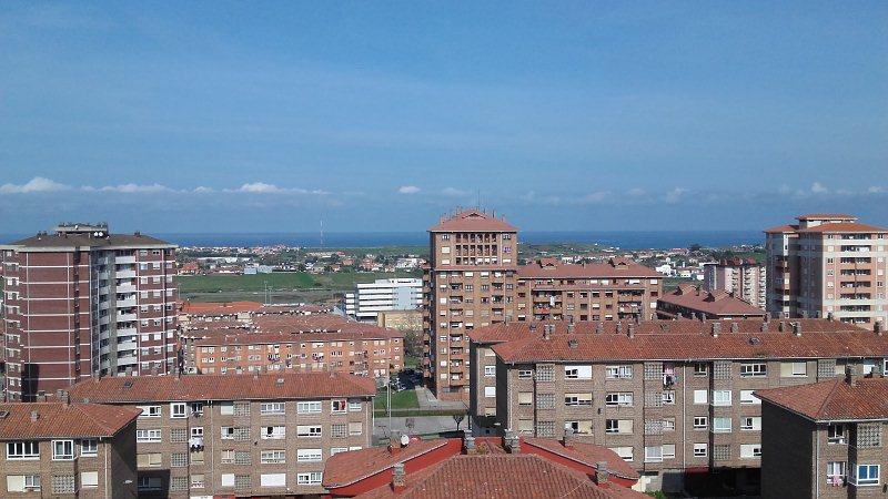 Piso en venta en Sector 4, Santander, Cantabria, Avenida Cardenal Herrera Oria, 79.900 €, 3 habitaciones, 1 baño, 88 m2