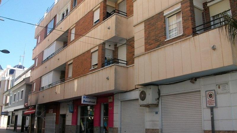 Piso en venta en Dolores, Alicante, Pasaje Juan Saura, 51.000 €, 3 habitaciones, 1 baño, 128 m2
