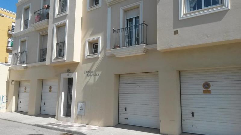 Parking en venta en La Línea de la Concepción, Cádiz, Calle Sevilla, 14.200 €, 21 m2