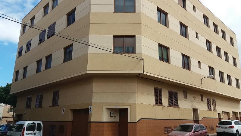 Piso en venta en Santa Lucía de Tirajana, Las Palmas, Calle Echegaray, 98.200 €, 3 habitaciones, 1 baño, 73 m2