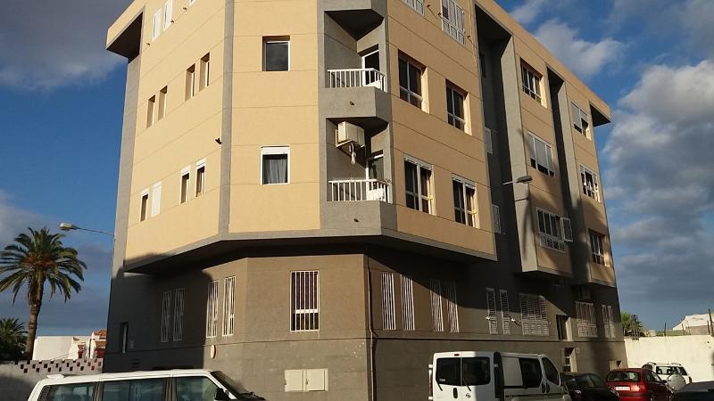 Piso en venta en Santa Lucía de Tirajana, Las Palmas, Calle Pancho Guerra, 89.000 €, 3 habitaciones, 1 baño, 86 m2