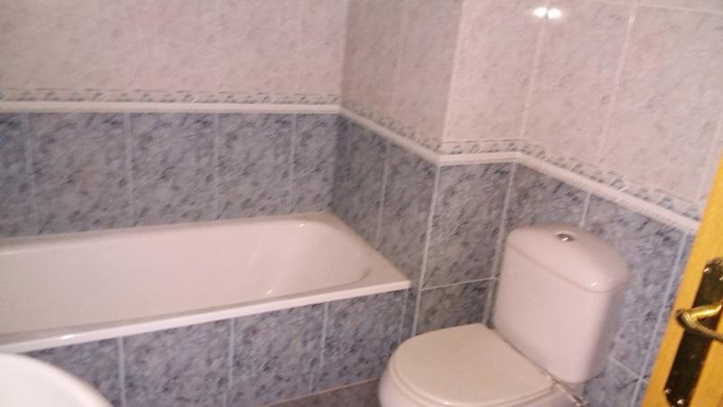 Piso en venta en Piso en Ponteareas, Pontevedra, 132.000 €, 3 habitaciones, 2 baños, 130 m2, Garaje